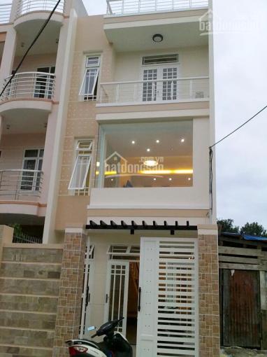 Bán nhà ngay MT đường Hà Duy Phiên, đang cho thuê 10tr/một tháng, giá 2,3 tỷ