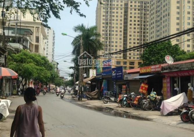 Cực rẻ, bán nhà mặt phố Lĩnh Nam, Hoàng Mai 200m2, MT 8m, giá 24.5 tỷ. LH: 0911239223