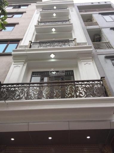 Bán nhà mặt phố Trần Đăng Ninh, sát Metro Hà Đông (35m2*5T), ô tô vào nhà, giá 4,5 tỷ. 0986498350