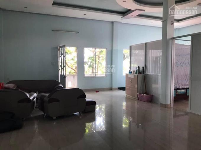 Bán nhà mặt tiền đường Chu Văn An, TP. Bảo Lộc, Lâm Đồng. Diện tích 10x22m trong đó 211m2 đất ở