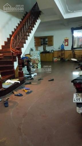 Cho thuê nhà phố Tây Sơn, Đống Đa gần Ngã Tư Sở DT: 65m2 x 4 tầng ô tô đỗ cửa