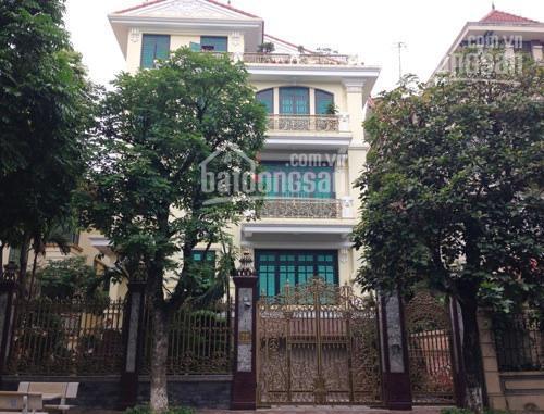 Cho thuê nhà biệt thự Trần Cung, Nghĩa Tân, Cầu Giấy đất 200m2 XD 150m2 x 3T, MT 18m. Giá 15tr/th