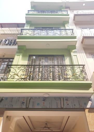 Chính chủ bán nhà 5T*37m2 phố Nam Dư, nhà hai mặt thoáng, ô tô đỗ cửa, giá 2.35 tỷ, LH 0969548261