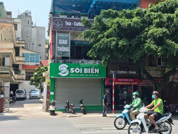 Cho thuê cửa hàng mặt phố Lê Duẩn ngay ngã ba. DT 35m2, MT 5.5m, giá thuê 25tr/th. LH 0974739378