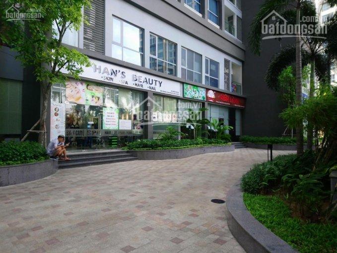 Bán shophouse Vinhomes Central Park DT 213m2 giá 34 tỷ. Vị trí trung tâm của dự án LH 0977771919