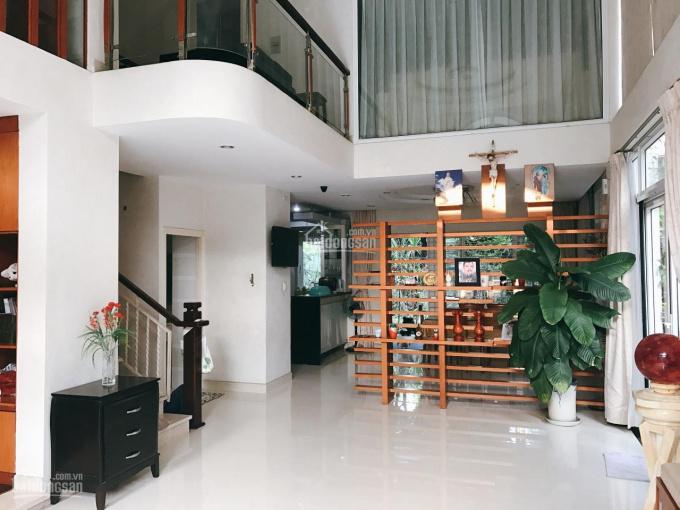 Cho thuê nhà nguyên căn Điện Biên Phủ Quận 3. LH: 0935382677 Luân
