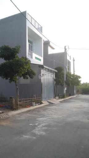 Định cư qua nước ngoài cần bán gấp lô đất SamSung Phú Hữu, Bưng Ông Thoàn, 0982.336.236