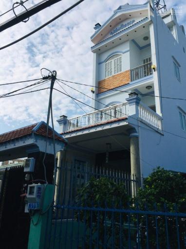 Bán nhà mặt tiền Nguyễn Ảnh Thủ, P. Hiệp Thành, DT: 5m x 30m, nở hậu 8.5m, đang cho thuê 30tr/th