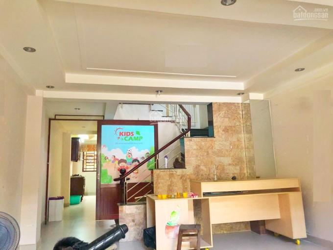 Cho thuê mặt bằng ngay mặt tiền đường Nguyễn Thị Minh Khai LH: 0934166438