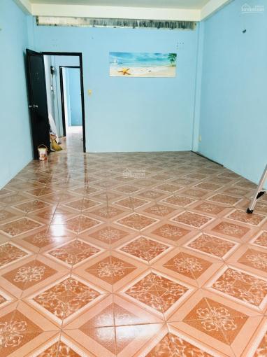 Phòng cho thuê mặt tiền đường Lãnh Binh Thăng, Quận 11, DT 20m2. LH 0988547889