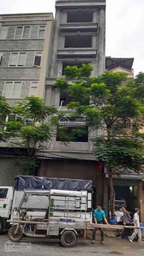 Cho thuê tòa nhà mặt phố Khương Đình, vị trí đẹp, DT 110m2/sàn, 135 tr/tháng