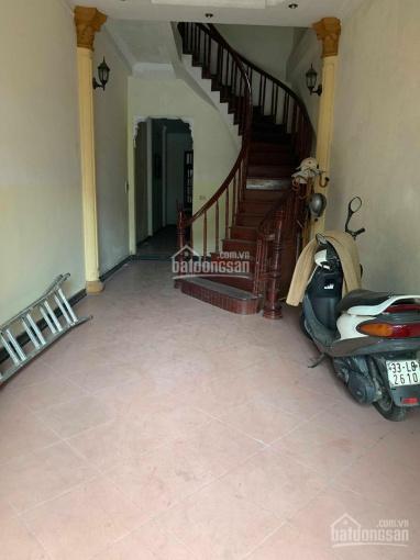 Cho thuê nhà đẹp đường Trương Định - Giải Phóng. Diện tích: 80m2 x 4 tầng, giá 11 triệu/tháng