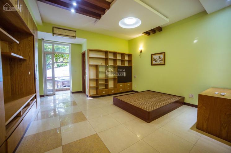 Cho thuê căn hộ thoáng rộng đường Nguyễn Hoàng ngay trung tâm thành phố Đà Nẵng