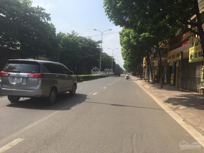 Bán nhà đất kinh doanh mặt đường Hùng Vương, gần trường Cao đẳng Kinh tế, giá đầu tư
