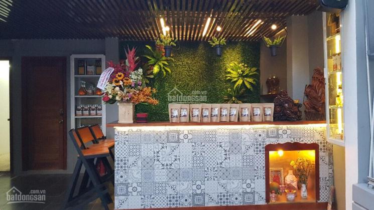 Cho thuê mặt bằng cafe full đồ khu vực Nguyễn Thị Minh Khai giao với Mê Linh