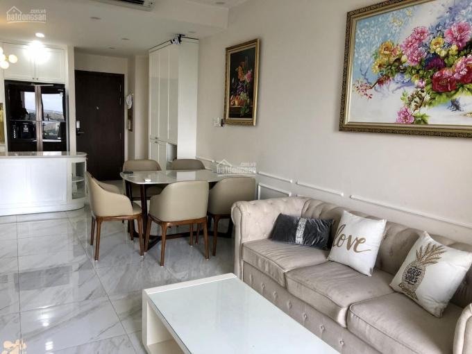 Chủ đi định cư, bán gấp CH Soho Premier: 63m2, 2PN, 2WC, nhà trống, 2tỷ4, có sổ LH 0938 992 148 Mỹ