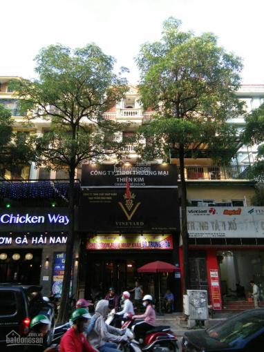 Cho thuê nhà mặt phố Trung Hòa diện tích 180m2, xây dựng 100m2 x 4T, mặt tiền 6,5m. Giá 90 triệu/th