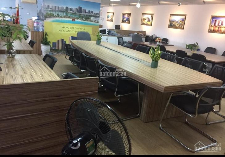 Cần cho thuê văn phòng tại tòa Hapulico Complex, Q. Thanh Xuân, DT 245m2, full nội thất văn phòng
