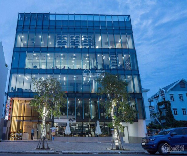 Cho thuê nhà HXH Lý Thường Kiệt, Q10, DT 8x15m, hầm trệt 5 lầu, giá 170tr/tháng