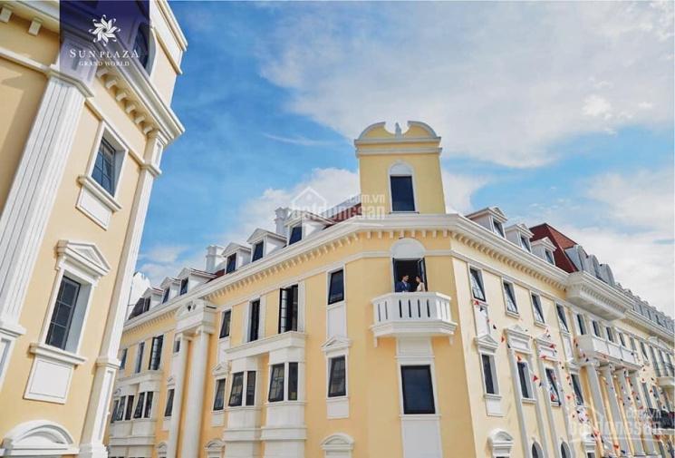 Cần bán gấp căn shophouse 5 tầng mặt đường trung tâm du lịch Bãi Cháy Hạ Long