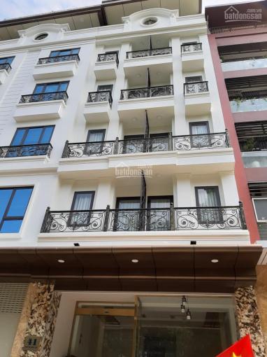Cho thuê nhà phố Thi Sách, Hai Bà Trưng, DT 300m2, 8 tầng, MT 9m, giá 400tr/th