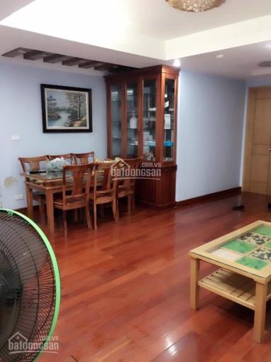 Bán căn hộ tòa HHT chung cư 197 Trần Phú Hà Đông đối diện lốp ô tô Dân Chủ. LH 0979476234