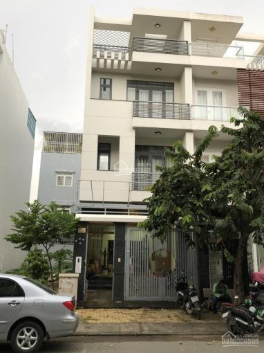 Chính chủ cần bán nhà nguyên căn mặt tiền khu dân cư Intresco 6B. LH: 0948 402 277