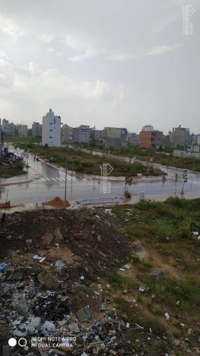 Cần bán lô đất 92m2 mặt tiền đường 22m tại Phú Hồng Thịnh 10