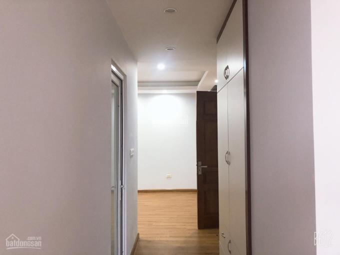 Bán cắt lỗ căn góc 3 PN 93m2 chung cư 234 Hoàng Quốc Việt, giá 27tr/m2 nội thất đẹp