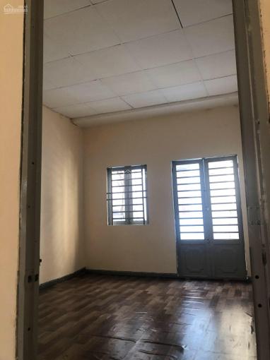 Nhà nguyên căn chỉ còn 1 căn duy nhất 3x11m 1 trệt 1 lầu 2PN 2WC. Nhà mới sạch sẽ thoáng mát