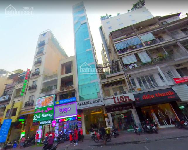 Cho thuê gấp mặt bằng tầng trệt khách sạn 29 Thủ Khoa Huân, P. Bến Thành, Q1. 4x20m, giá 45tr