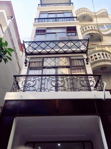 Cho thuê nhà phố Hoàng Cầu DT: 80m2 x 7 tầng, MT: 5m, có thang máy, GT: 80 triệu/th LH: 0903215466
