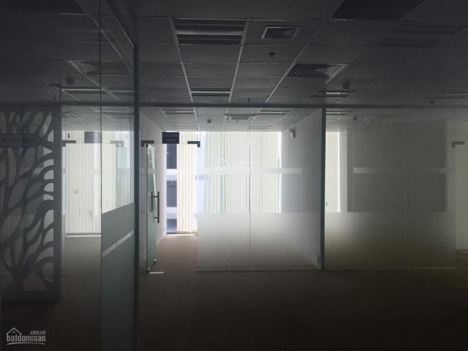 Cho thuê văn phòng 98m2 - 118m2 - 128m2 và 152m2 chia sẵn phòng, thảm sàn, rèm cửa giá 200k
