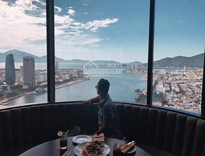 Chính chủ bán gấp căn hộ khách sạn Vinpearl Đà Nẵng, 2.076 tỷ, cho thuê 14 triệu/tháng