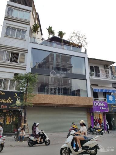 Cho thuê nhà mặt phố Mai Hắc Đế, Bùi Thị Xuân, HN, DT 300m2 x 3 tầng, mặt tiền 12m, 200 tr/th