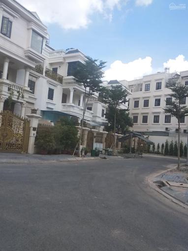 Cho thuê nhà mặt tiền đường Phan Văn Trị có thang máy trong KDC Cityland Park Hills