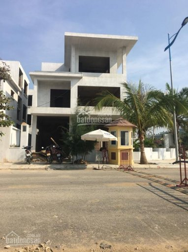 Bán biệt thự dãy BT31 FLC Sầm Sơn, mặt đường Hồ Xuân Hương. Sổ đỏ lâu dài