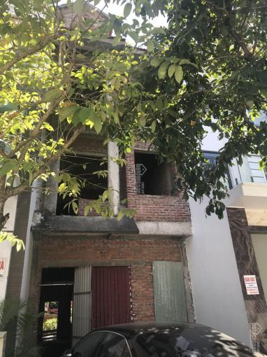 Cần bán biệt thự LK 4 tầng giao thô, DT 105m2, đường Hoàng Ngọc Phách