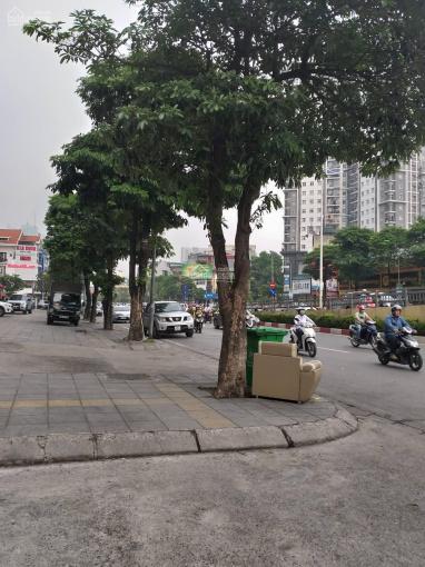 Bán nhà mặt phố Đào Tấn, 45m2x5t, giá 21 tỷ có vị trí kinh doanh đẹp nhất phố mặt tiền 6,10