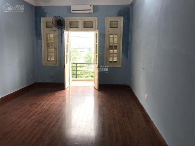 Cho thuê 1 phòng làm việc 35 m2, trong nhà mặt phố Đỗ Đức Dục