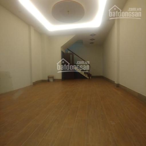 Mặt phố Yên Lạc 40m2 x 5 tầng, mặt tiền 4m, thông sàn, vuông vắn, giá 13tr/th 0988226793