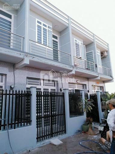 Mua bán nhà Bình Chánh 2 tầng ngay chợ Hưng Long 3.5x7m, giá cực rẻ chỉ 470tr, 0839331665
