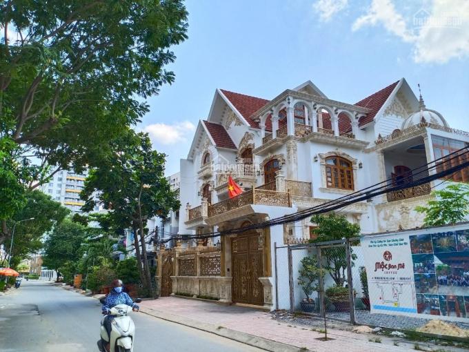 Biệt thự Lê Đức Thọ, P. 6, Quận Gò Vấp, 12x25m, 4 tầng, 60tr/m2, giá 14.5 tỷ, LH 0918 426638