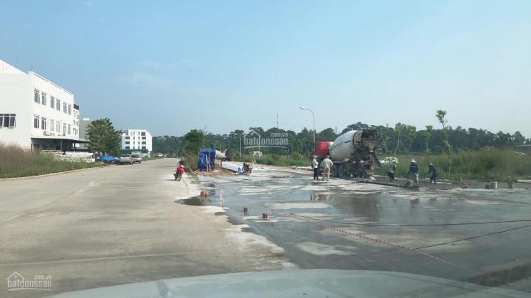 Bán đất mặt đường đôi 38m thông từ bến phà ra đường 18 giá cực tốt. LH 0985490188