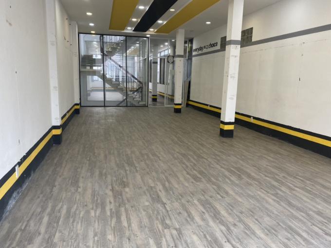 Cho thuê mặt bằng lầu 1 tại mặt tiền Tân Sơn Nhì, 5mx33m, có lối đi riêng, chỉ 10 triệu/ tháng