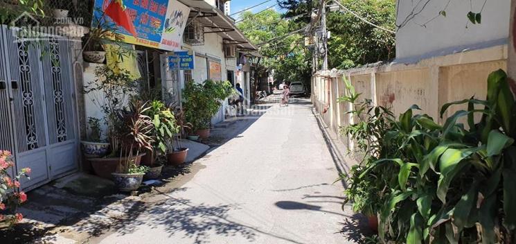 Nhà đường Kim Giang 46m2 xây 3 tầng, ngõ to, ô tô gần nhà giá 2.7 tỷ quá rẻ. LH 0868196626