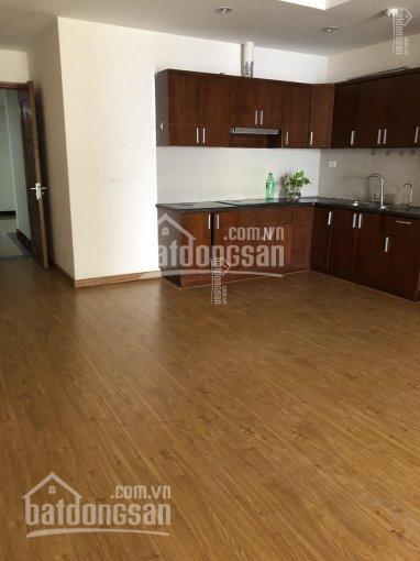 Gia đình cần bán gấp CHCC Victoria Văn Phú, DT 97m2, gồm 3PN, 2WC, đầy đủ nội thất, giá 1.85 tỷ