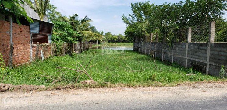 Bán đất nền huyện Đức Hòa, diện tích 15x20m, thổ cư 100% xã Hòa Khánh Nam. Giá 2.1 tỷ