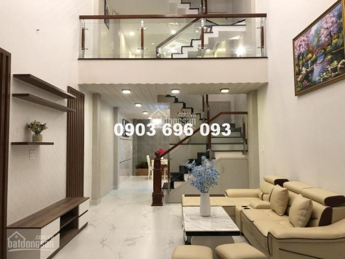 Biệt thự phố Gò Vấp 5PN tặng nội thất cao cấp mới 100%. Giá bán 6.4 tỷ, LH 0909222596