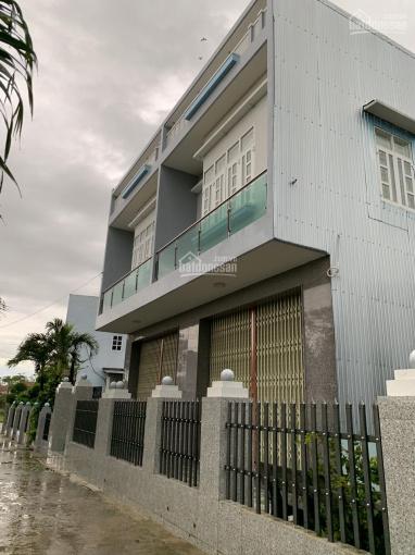 Chính chủ cần bán gấp căn nhà 1 trệt 1 lầu xã Quy Đức, Bình Chánh, giá chỉ: 1tỷ350 tr/căn, SHR